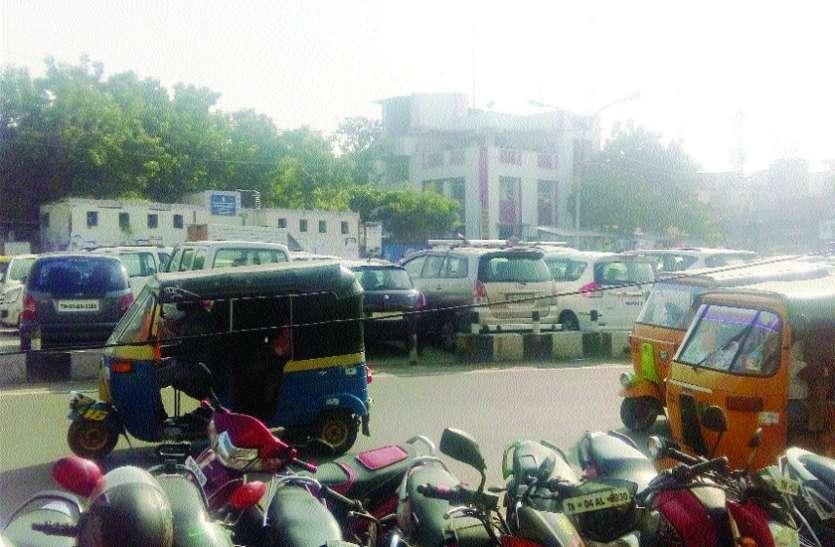 बहुमंजिला पार्किंग व्यवस्था अटकी कागजों में