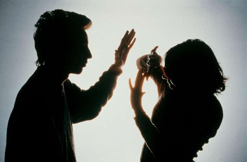भारतीय समाज में आज भी महिलाएं हो रही उपेक्षा और प्रताड़ना का शिकार