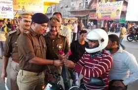 PHOTOS यातायात माह में कुछ इस तरह नजर आ रही योगी की पुलिस