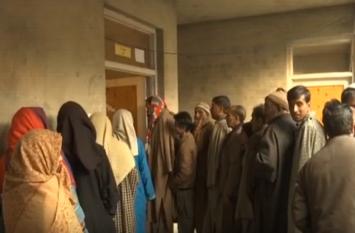 जम्मू एवं कश्मीर पंचायत चुनाव: कड़ी सुरक्षा के बीच सातवें चरण का मतदान जारी