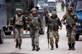 पुलवामा में सुरक्षाबलों ने मार गिराए हिजबुल के दो आतंकी