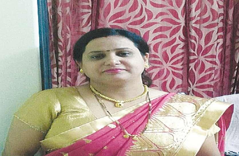 महिला डॉक्टर ने लगाई मौत की छलांग
