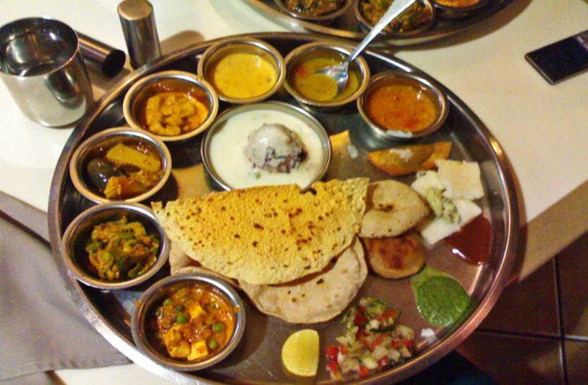 जिस उदयपुर में रात 11 बजे बाद खाना मिलना दुश्वार,  वहां भी मुद्दों पर चर्चा नहीं....