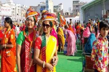 जोधपुर : मोदी की सभा में ये महिलाएं दिखीं अलग अंदाज में