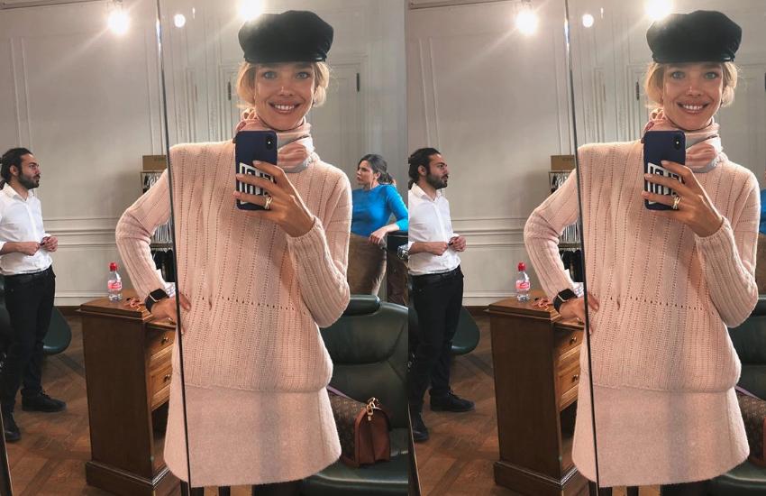 Mirror selfie viral
