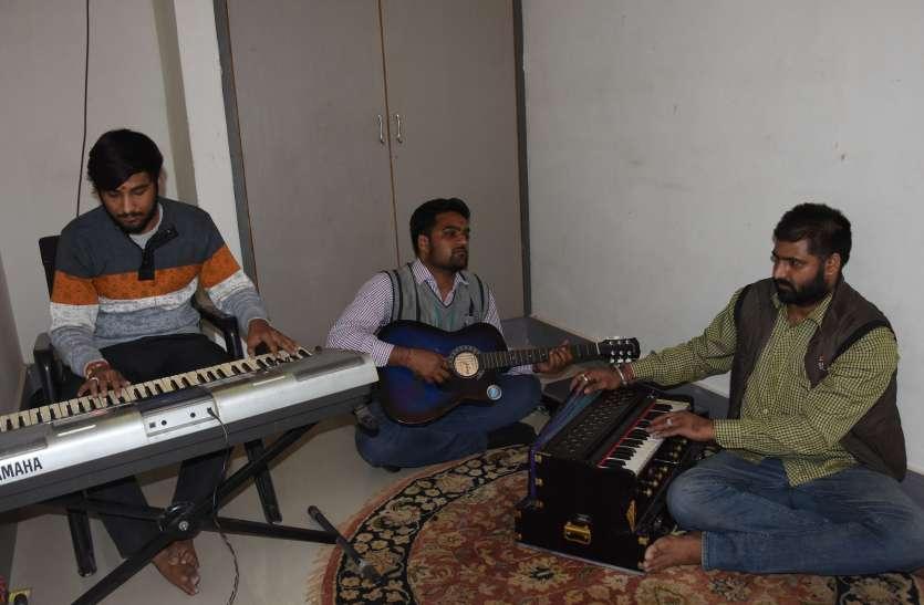 चुनावी पैरोडी से हो रहा बीकानेर में प्रचार, देखें वीडियो