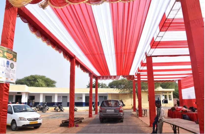 शहर हो या ढाणी... शादी समारोह जैसे सज रहे जिले में मतदान केंद्र...