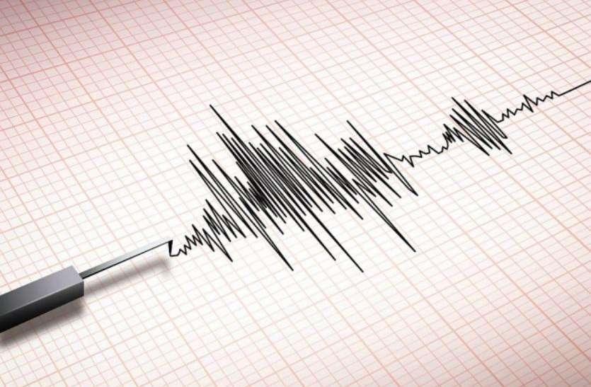 इंडोनेशिया: लंबोक क्षेत्र में 5.5 तीरता का भूकंप, इलाके को खाली कराया गया