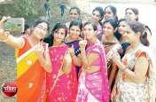 #SelfieWithInk : लोकतंत्र के उत्सव में बांसवाड़ा के युवाओं ने दिखाया जोश, सोशल मीडिया पर जमकर चला पत्रिका अभियान का शोर, देखें तस्वीरें
