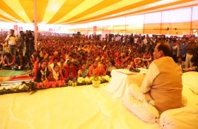 मुख्यमंत्री ने लगाई जन चौपाल,कहा-भ्रष्टाचार व बिचौलिया की भूमिका होगी समाप्त