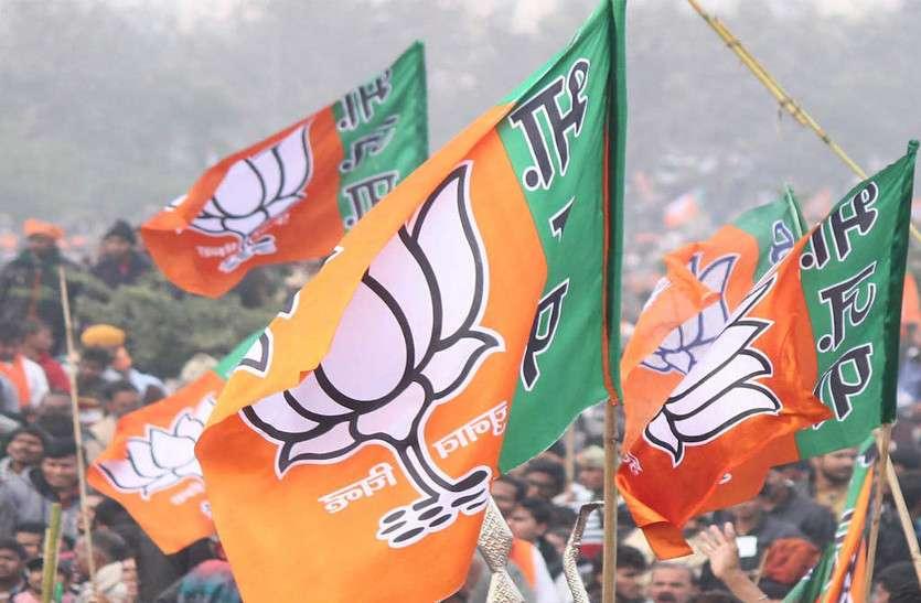 एग्जिट पोल के बाद भाजपा के रणनीतिकार सक्रिय, मतगणना के बाद की स्थितयों पर मंथन