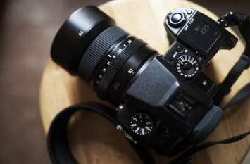 Fujifilm GFX 50R कैमरा हुआ लॉन्च, बस 2 मिनट में जानें कीमत और फीचर्स