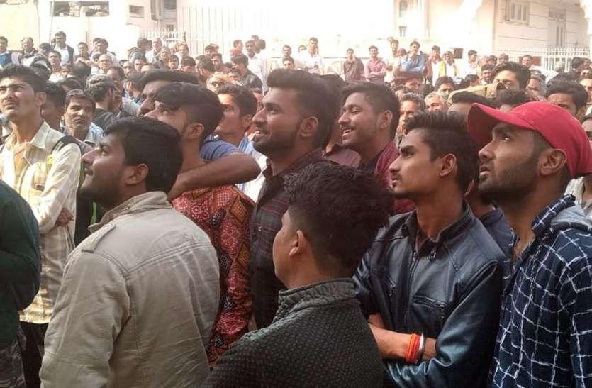 Rajasthan Election 2018 result in Bikaner Live Updates : टीवी पर टकटकी, हार-जीत के दावे, मतगणना पर पल-पल की नजर