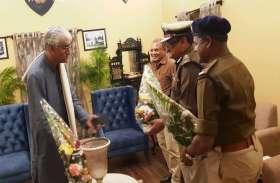 कमिश्नर-आईजी और एसपी ने गुलदस्ता भेंट कर टीएस सिंहदेव को दी जीत की बधाई- Photo में देखे अन्य के जीत के पल