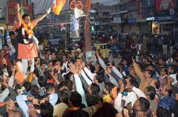 अलवर जिले में भले ही भाजपा पीछे रह गई, लेकिन संजय शर्मा ने अपने दम पर जीती अलवर शहर सीट