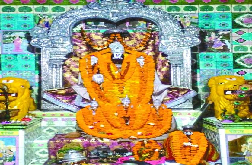 मंत्रोच्चारण से गूंज उठा व्यंकटेश मंदिर, भक्तों ने सस्वर किया स्त्रोत पाठ, लिया आशीर्वाद