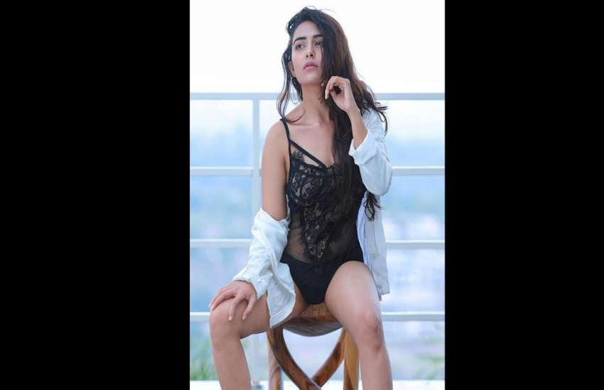 jinal-joshi-marathi-model-hot-and-bold-photos-viral-on-instagram