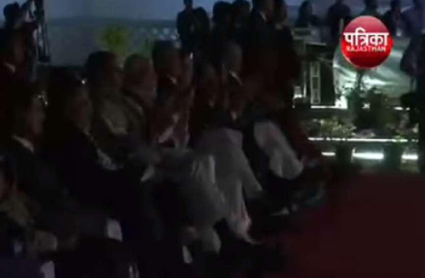 VIDEO - पीएम मोदी ने देखा स्टैच्यू ऑफ यूनिटी का लेजर शो, क्या है खास शो में, देखें