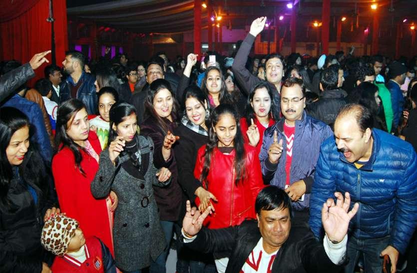 नए साल पर चढ़ेगा बॉलीवुड का खुमार, होटल्स और क्लब तैयार