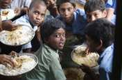मिड डे मील घोटाला : गेहूं व चावल के करीब 900 कट्टे जब्त