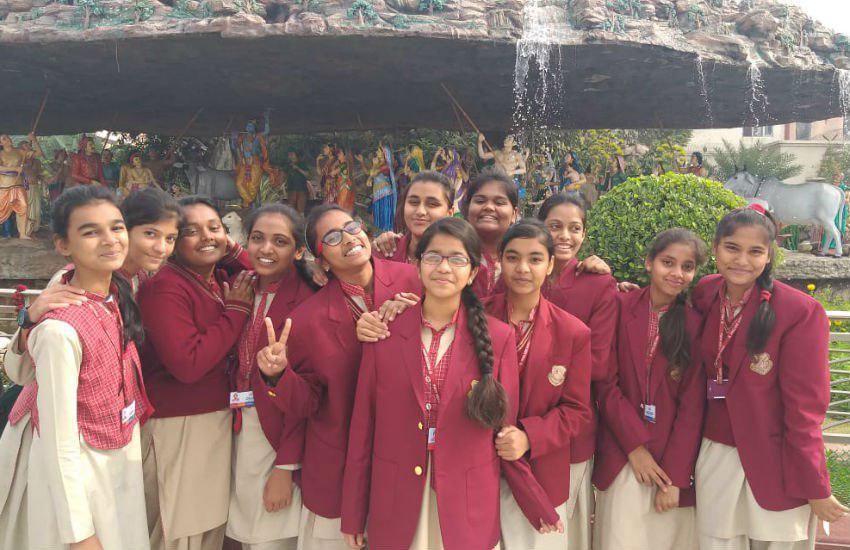 प्रेम मंदिर देख प्रफुल्लित हो गए प्रिल्यूड पब्लिक स्कूल के विद्यार्थी