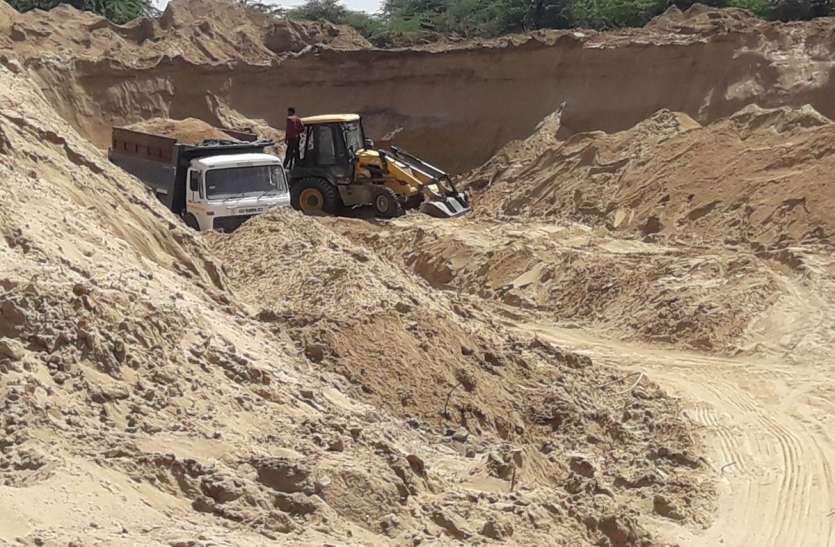 VIDEO: बजरी माफियाओं के हौसले बुलंद, बेलगाम अवैध खनन से ग्रामीणों में आक्रोश