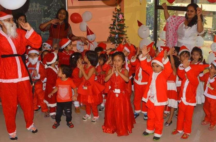 PICS : क्रिसमस पर्व से पहले जगमगाए चर्च