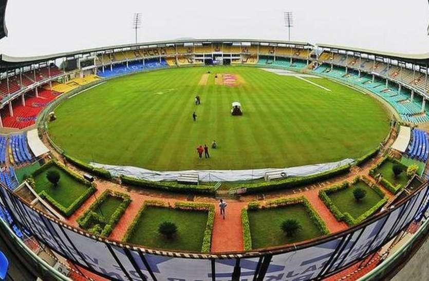 जब उदयपुर कलक्टर और बच्चों की क्रिकेट टीम का हुआ आमना-सामना, तो हुआ कुछ ऐसा