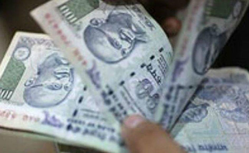 पंचायत सहायकों ने 100-100 रुपए लिए...
