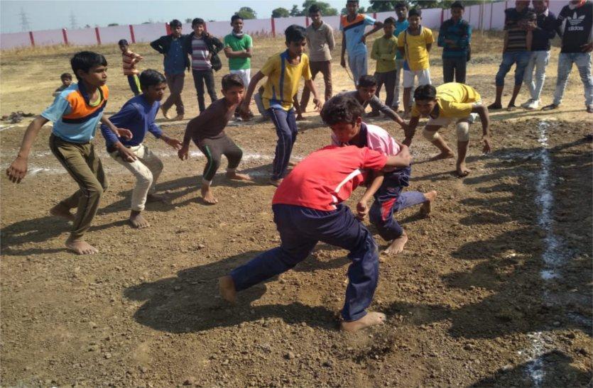 गांव की प्रतिभाएं दिखा रही खेलों में दम, पहुंचे फाइनल में
