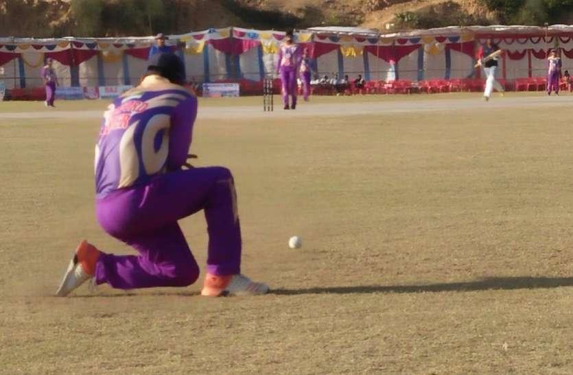 स्टैनफोर्ड टीम ने दर्शाया क्रिकेट का कमाल