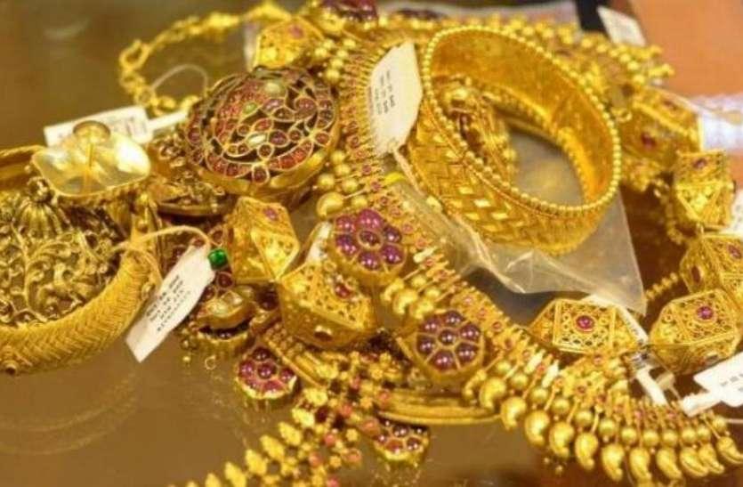 सोने की कीमत में 20 रुपए की बढ़ोतरी, चांदी में बढ़ी 25 रुपए की चमक