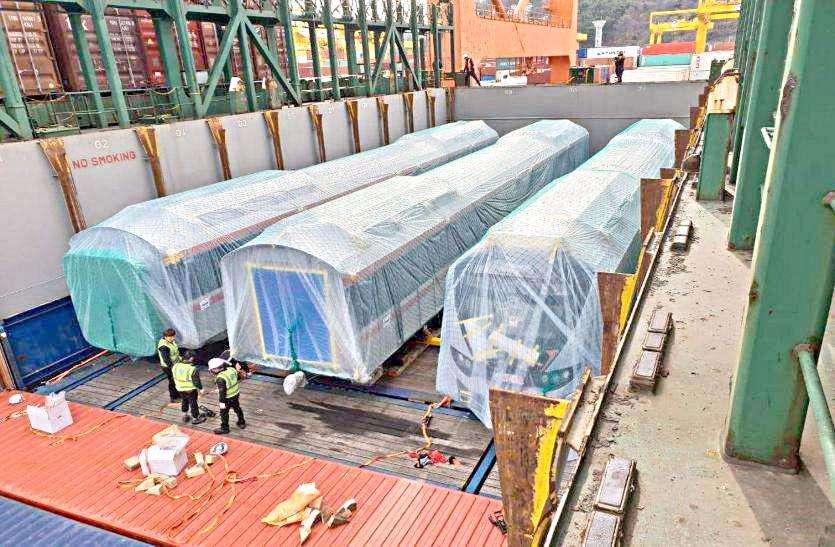 मेट्रो ट्रेन के कोच आज पहुंचेंगे अहमदाबाद