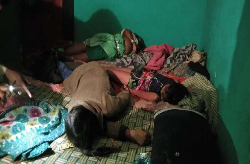 एक ही परिवार के पांच लोगों ने खाया जहर, दो बच्चों सहित एक महिला की मौत