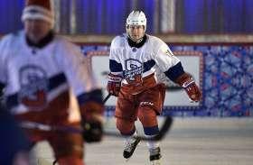 photo gallery: रूस के राष्ट्रपति पुतिन ने खेली आइस हॉकी, देखें तस्वीरें