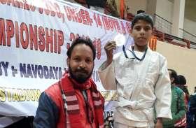 पढ़िए उदयपुर में दिहाड़ी मजदूर के उस बेटे की कहानी जिसने राष्ट्रीय स्तर पर पदक जीता है..
