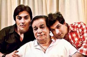 कादर खान के निधन के 6 दिन बाद बेटे ने रोते हुए शेयर किए आखिरी मुलाकात के लम्हे