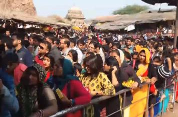 राजस्थान में यहां नव वर्ष के दिन भगवान गणेशजी के दर्शनों को उमडे श्रद्धालु , देखें वीडियो