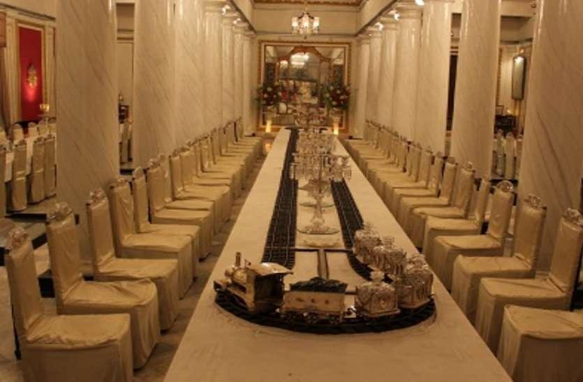 silver train at scindia palace