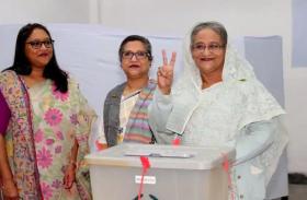 बांग्लादेश चुनाव: शेख हसीना जीतीं, चुनाव आयोग ने दोबारा चुनाव से किया इनकार