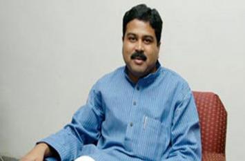 ओडिशा में बीजेपी का फेस धर्मेंद्र, अपराजिता लड़ सकती हैं लोस चुनाव