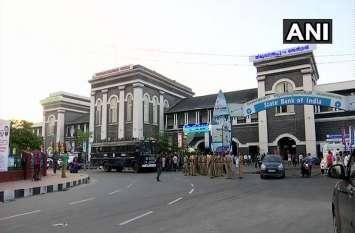 सबरीमला मंदिर: महिलाओं के प्रवेश के विरोध में UDF का ब्लैक डे आज, हिंदूवादी संगठनों का बंद को समर्थन