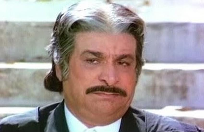 इस वजह से कादर खान छोड़ दिया फिल्मों में विलेन बनना, यह थी उनकी पहली कॉमेडी फिल्म