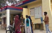 छेड़खानी से तंग छात्रा ने की शोहदे की पिटाई, प्रिंसिपल साहब ने बहादुर छात्रा का नाम काट स्कूल से बाहर निकाल दिया
