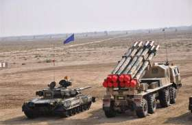 भारत से मुकाबले की तैयारी में पाकिस्तान, सेना में शामिल किया 100 किमी मारक क्षमता वाला रॉकेट