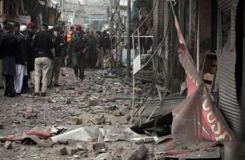 पाकिस्तान: पेशावर में मस्जिद के बाहर जबरदस्त धमाका, 6 लोग घायल