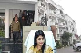 IAS बी चंद्रकला के आवासों में CBI के छापे के बाद चौंका देने वाला वीडियो आया सामने