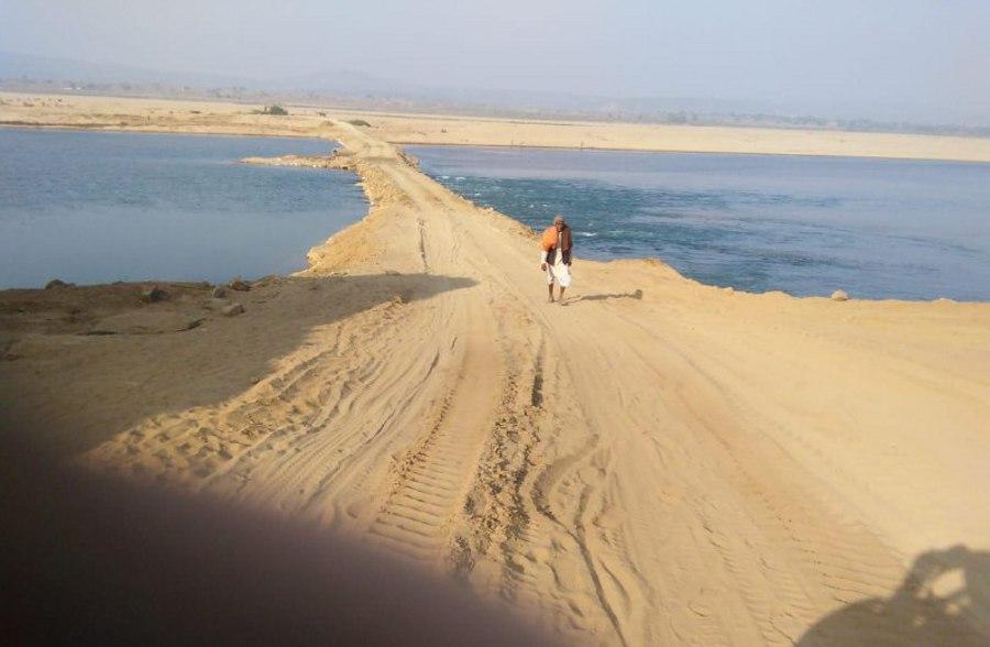 नर्मदा की विधानसभा में नर्मदा को रेत माफिया ने कर दिया खोखला
