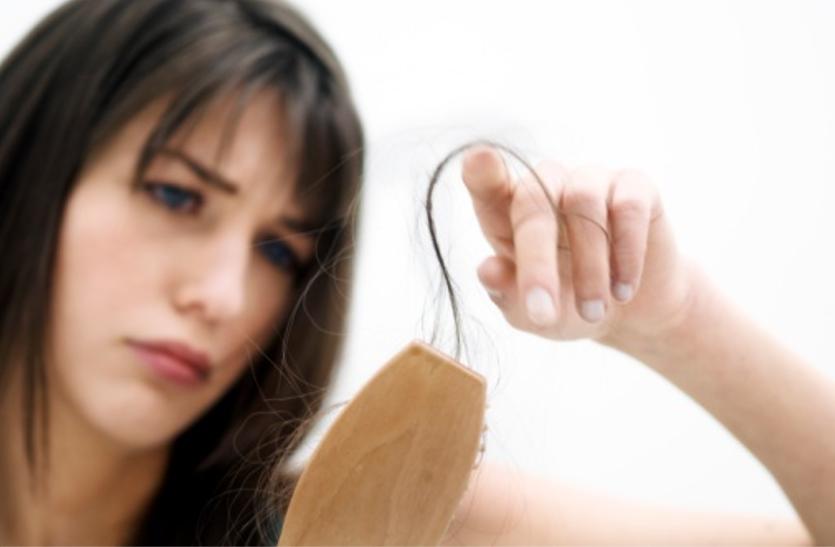 झड़ते बालों की समस्या के लिए जानिए कुछ घरेलू उपचार