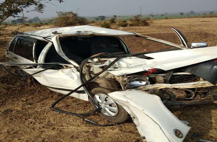 भसुआ से भरे टैक्टर-टाली ने कार को मारी टक्कर, एक की मौत